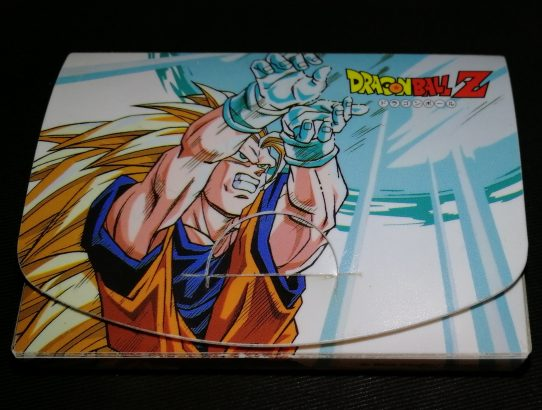 Range-cartes Carddass françaises Dragon Ball